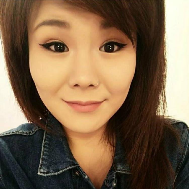 Vicky S Lee